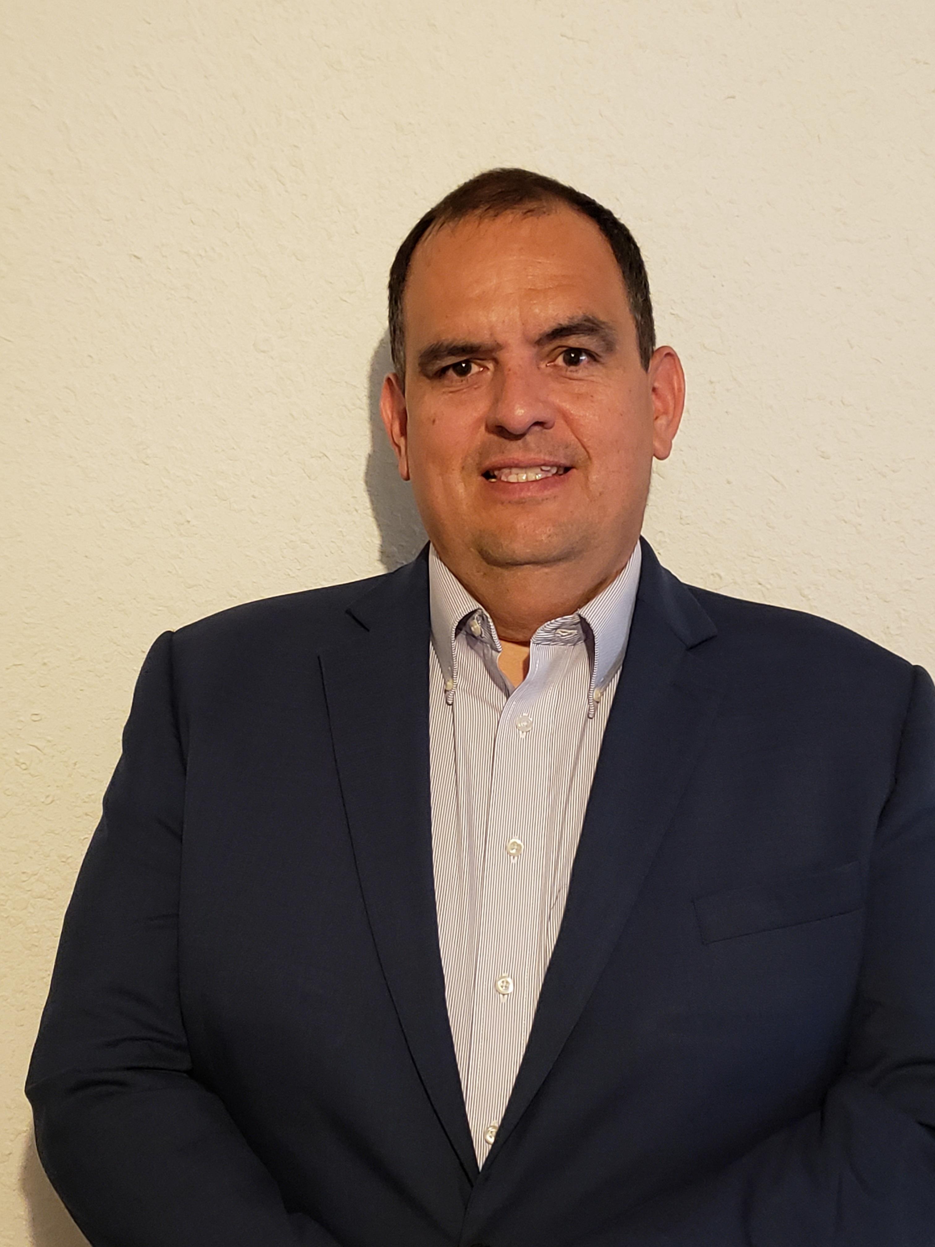 Joseph Ruiz Headshot